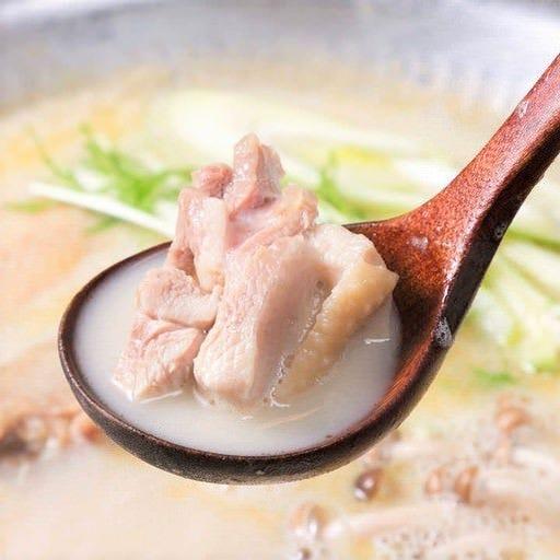 素材の旨味が際立つ無添加の水炊き鍋