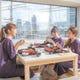 神戸港の景色を眺めながらお食事を