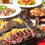 多彩なお料理を夜景と共にお楽しみください!