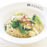 国産黒豚ベーコンとSAI&Co.野菜たっぷりペペロンチーノ  サラダ付