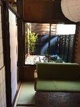 ◆坪庭が見える完全個室は2名様~4名様までご利用可能です☆
