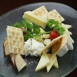 フォルマッジョミスト(イタリア産チーズの取り合わせ)