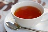 紅茶(アイス or ホット)