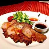 イベリコ豚のローストポーク 2種のソース