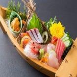 新鮮な三陸産の魚を使った御造り盛り合わせ