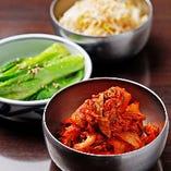 九条葱の素揚げなど、京都ならではのおつまみも♪