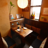 木の温もりが暖かい落ち着く空間。2~8名半個室あります!