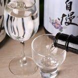 【厳選日本酒】 こだわって選りすぐった極上銘酒が常時15種類!