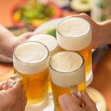 久々に会ったご友人とキンキンに冷えたビールで乾杯♪