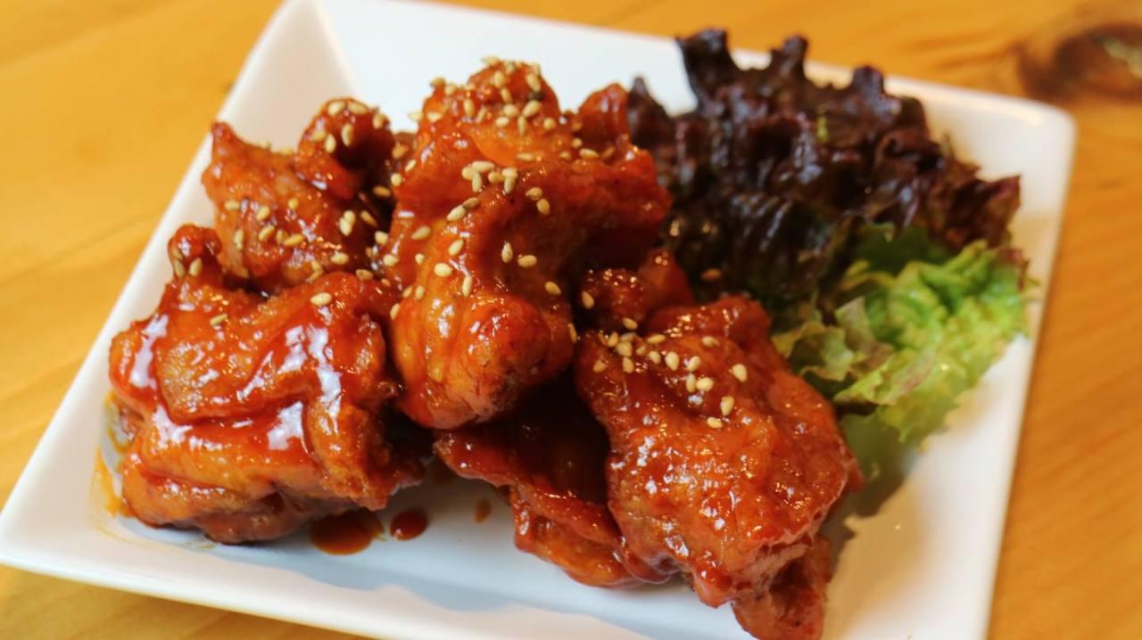 オモニ(母)が作る家庭的な韓国料理