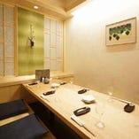 細部の装飾にもこだわった、和の趣きある個室で接待などにも最適