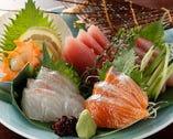 ◆旬の魚を贅沢に使用したお刺身盛り合わせも人気