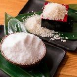 [素材にこだわる] 水や米、塩、酢に至るまで厳選して使用