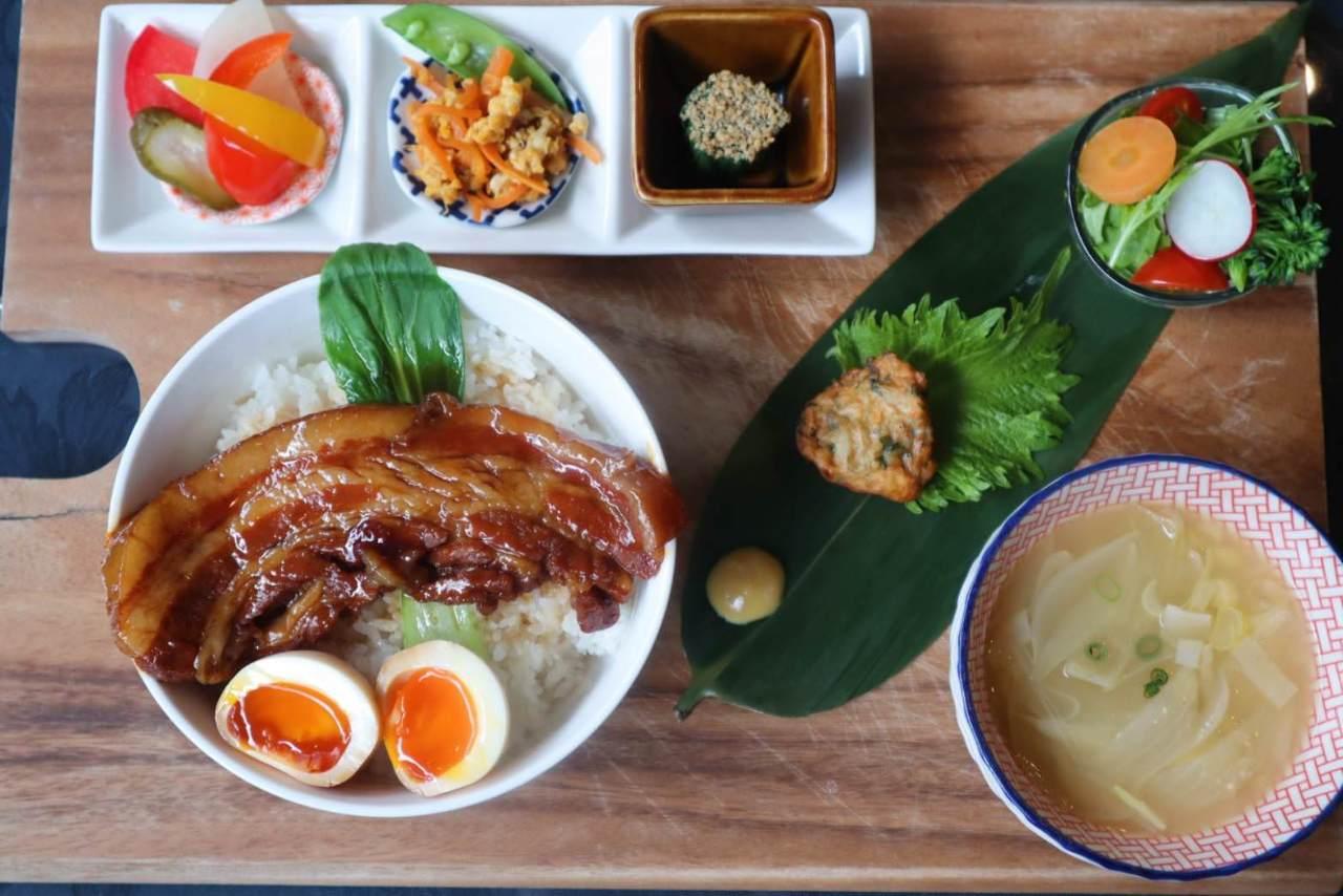 有機野菜&黒豚角煮丼