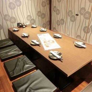 全席完全個室 炭焼地鶏 鶏三味~とりざんみ~ 広島駅新幹線口店  店内の画像