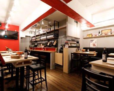 湯島 ワンズラクレット チーズ料理専門店 店内の画像