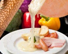 湯島 ワンズラクレット チーズ料理専門店