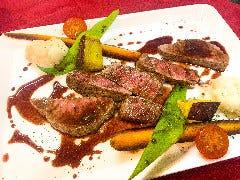 オーストラリア産 牛もも肉のステーキ 赤ワインジンジャーソース(160g)