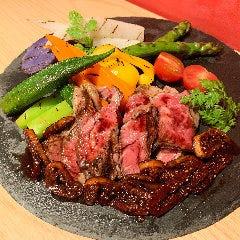 USサーロインのステーキ いちじくの赤ワインソース