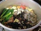 じっくり煮出したスープ!スッキリの中に深いコクあり!!
