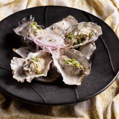 蒸し牡蠣のレモンクリームソース