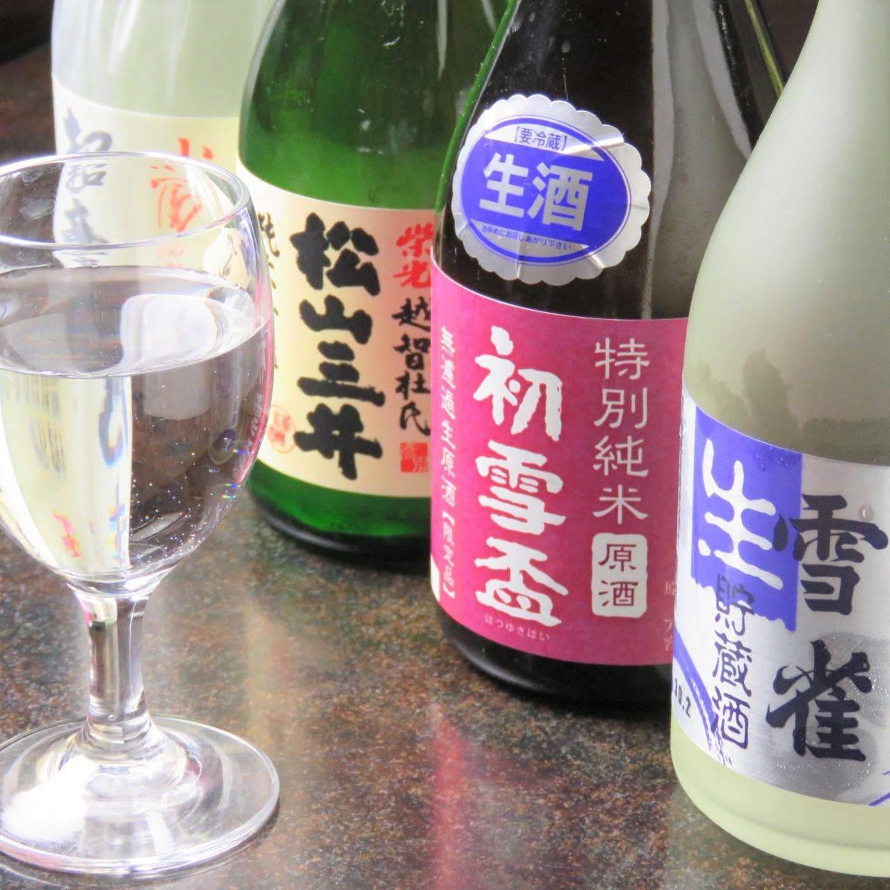 愛媛はもちろん、高知の地酒もございます。鮮魚とともにどうぞ!