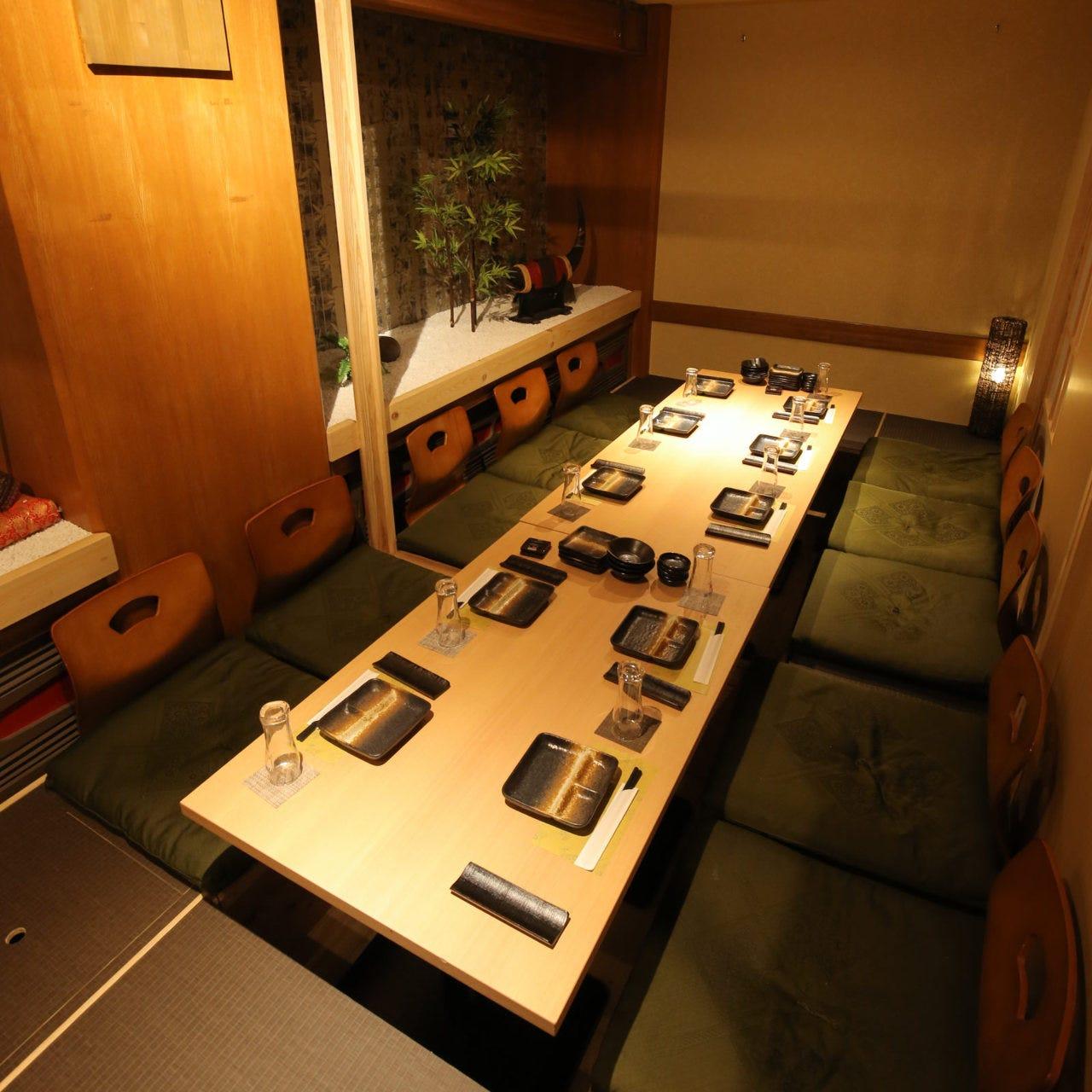 落ち着いた和個室で和食を