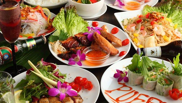 【2.5H飲み放題付】バラエティーコース(8品)タイ風チキングリルに生春巻、海鮮ガパオなどタイ料理満喫