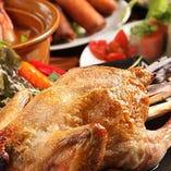2.5H飲み放題付「特選アジア料理コース」の豪華メインは「若鶏の丸焼き」。あふれる肉汁がたまりません!