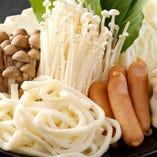 ごはんやうどん、水餃子などお肉や野菜以外も充実!
