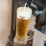 生ビールは自動サーバーを導入してお待たせしません!
