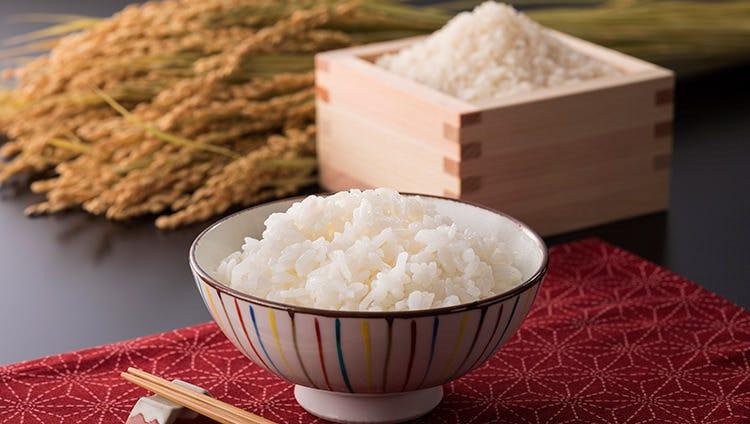 ごはん大盛り無料!こだわりのお米使用のあったかご飯♪