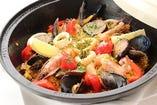 南仏・地中海料理がコンセプト。タジン鍋もファンが多い。
