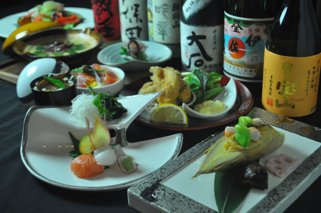 焼酎や日本酒など約50種類以上ご用意してお待ちしております