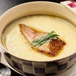 「フォアグラの茶椀蒸し」茶碗蒸しのやさしいお味とのバランスが抜群