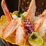 「ずわい蟹刺身」北海道産のずわい蟹は甘みがあり新鮮で美味。