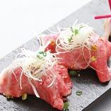 和牛炙り寿司(2貫)