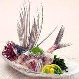 【とび魚の姿造り】見た目も豪華でご宴会の場に人気!