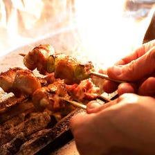 鳥マスターコース【2H飲み放題】地鶏の焼鳥盛りが一人5本&朝締めの鶏刺し! 11品*5000円 会社宴会