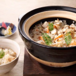 【名物!土鍋ご飯】 鶏五目と新生姜ご飯をお選びいただけます