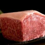 肉は丁寧に手切りです
