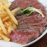所沢牛のステーキ