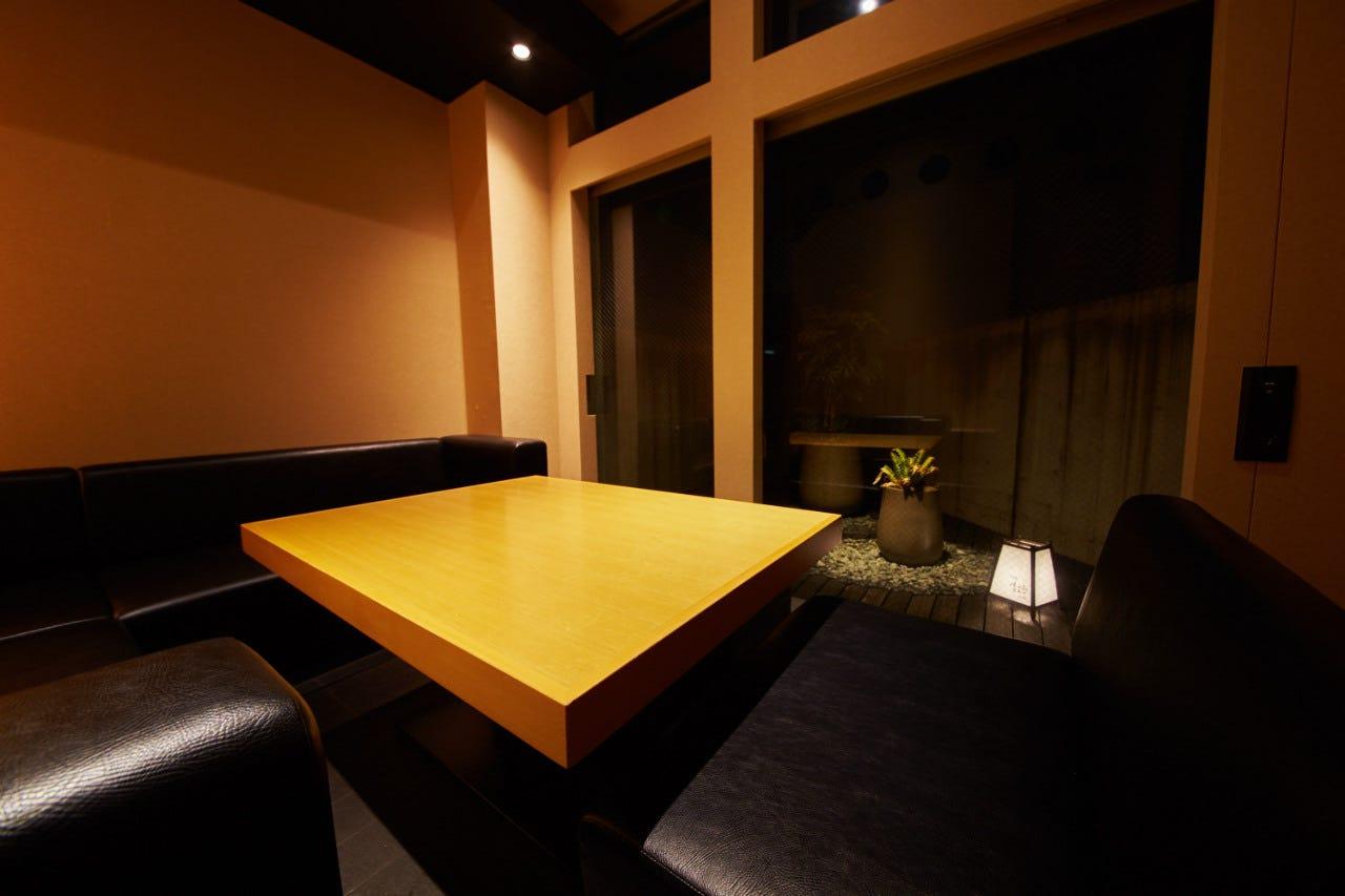 全席個室で寛げる大人の上質空間
