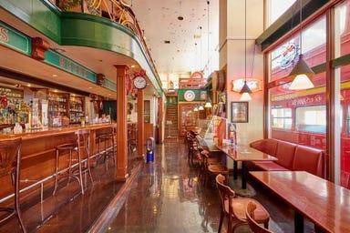 カフェレストラン&バー ダブルデッカー 美浜店 店内の画像