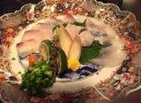本日のおすすめしゃぶしゃぶ鍋 1380円 瀬戸内海、日本海から本日仕入れしたとれとれお魚のしゃぶしゃぶ鍋です。(時期により、ハモ、生タコ、鯛、ヒラメ、、、などなど)