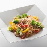 いろどり野菜のペペロンチーノ