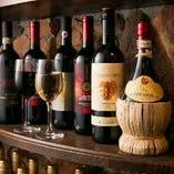 ワインのストックはなんと約2,000本!常時約20種類をご用意