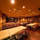 広々とした3階フロアは、30〜65名様でフロア貸切可能!会社宴会などに最適です