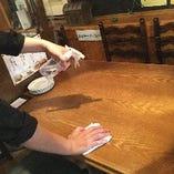 ご利用毎に各テーブルを徹底的に消毒しております。