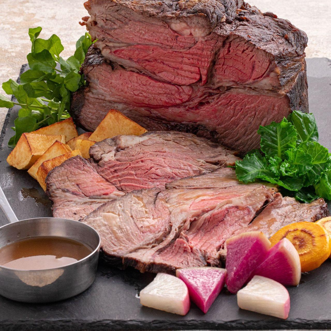 【1月土日祝ディナー】Cheer HIROSHIMA!~食べて応援!~ディナーはローストビーフが登場
